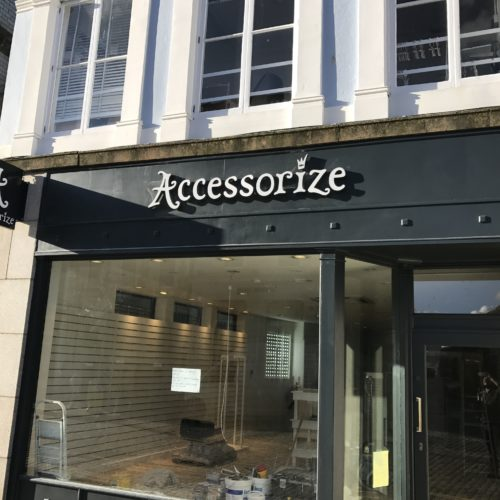 accessorize-front